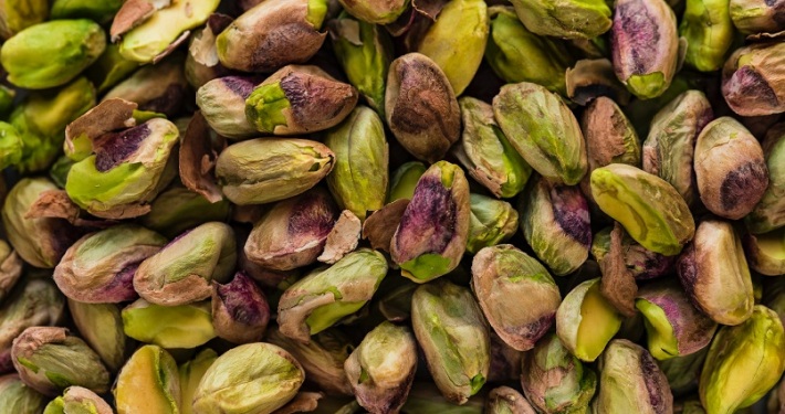 Pistachio nuts for cardamom kheer recipe